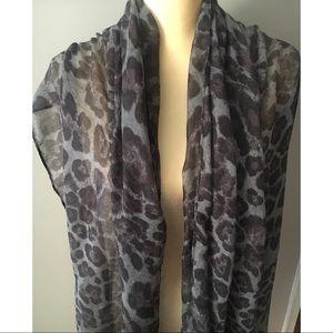 Accessories - Leopard Print Shawl